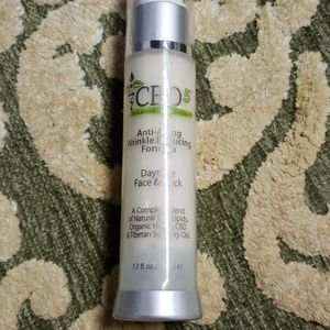 Puredia  antiwrinkle face and neck cream New
